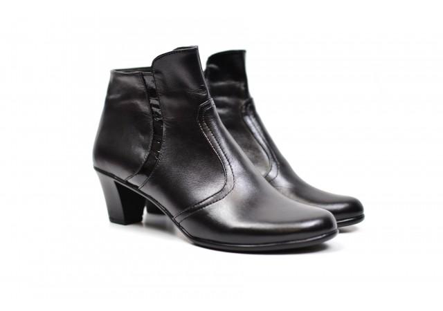 Cizme dama elegante din piele naturala, de culoare neagra,  cu toc de 5 cm - ROVI9620N