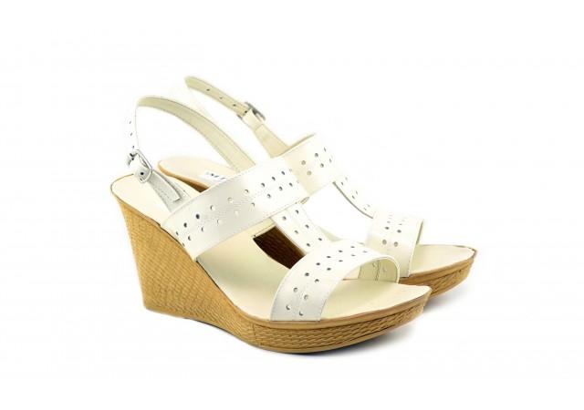 Lichidare marimea 36 Sandale dama bej din piele naturala cu platforma de 8 cm LS46BEJLAC