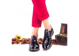 Oferta marimea 39 Pantofi dama casual din piele naturala lacuita cu siret - LNA239