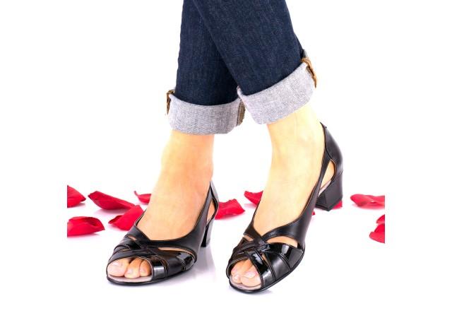 Oferta marimea 40 Sandale dama negre din piele naturala si piele naturala lacuita - LNA227