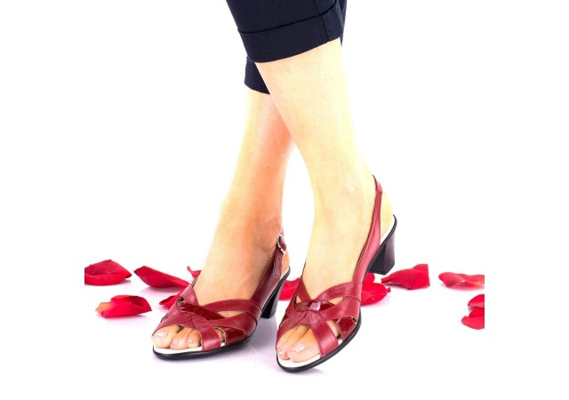 Lichidare marimea 38 Sandale dama rosi din piele naturala si piele naturala lacuita toc 4cm - LNA229RPL