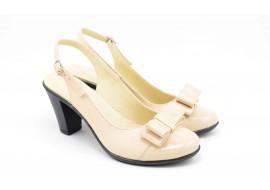 Pantofi dama din piele naturala cu toc de 7cm si varf lacuit -  P100BEJ