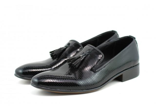 Pantofi barbati eleganti, negri din piele naturala lacuita - 036NLAC
