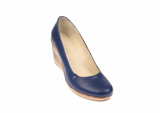 Oferta marimea 39 Pantofi dama casual din piele naturala cu platforma de 7 cm Mara - LP3550BL