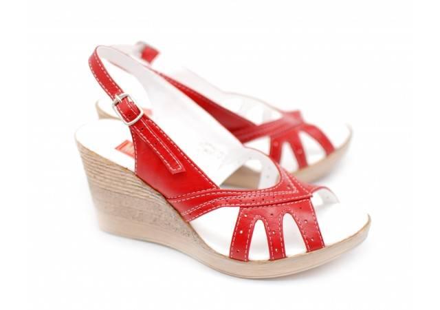 Sandale dama, din piele naturala cu platforma de 8 cm, culoare rosu - S88ROSU