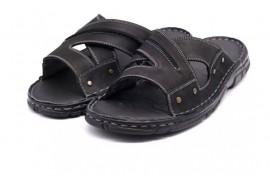 Oferta marimea 41 Papuci barbati din piele naturala LVIC2240