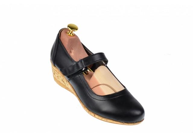 Lichidare marimea 38 Pantofi dama casual din piele naturala cu arici foarte comozi - LP38N