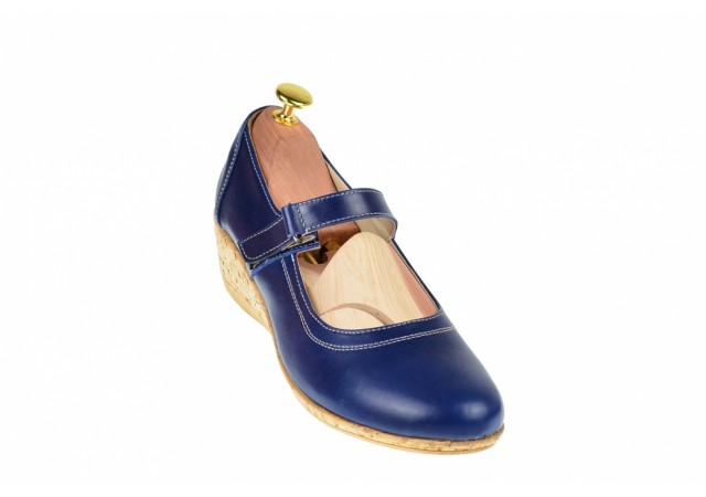 Oferta speciala marimea 39 - Pantofi dama din piele naturala cu arici, casual foarte comozi MALTA - LP38BL