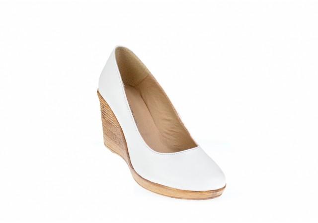 Pantofi dama casual din piele naturala alba cu platforma de 7 cm - MARA P3550ALB