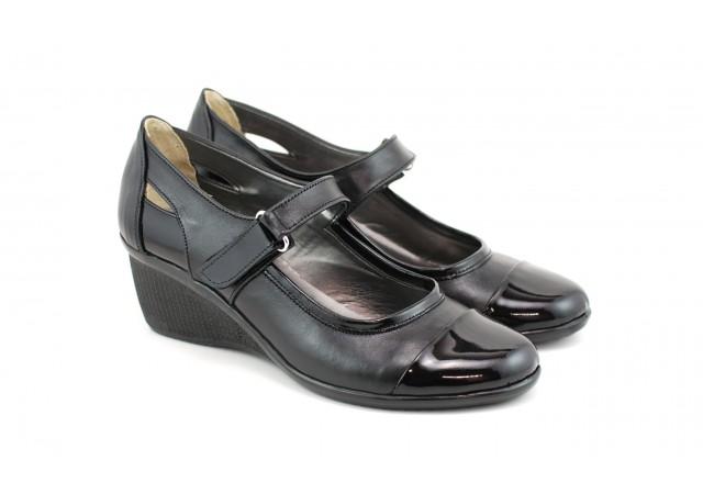 Pantofi dama piele naturala cu varf lacuit si arici, casual - Cod: P72N