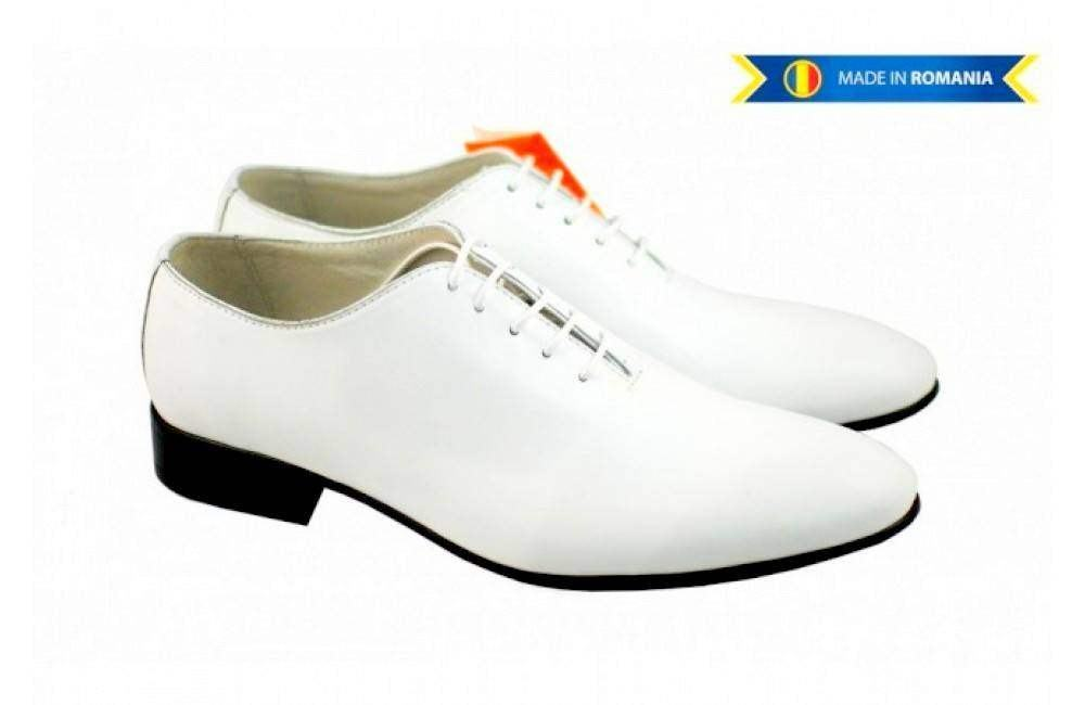 Pantofi barbati albi, eleganti din piele naturala - 024ALB