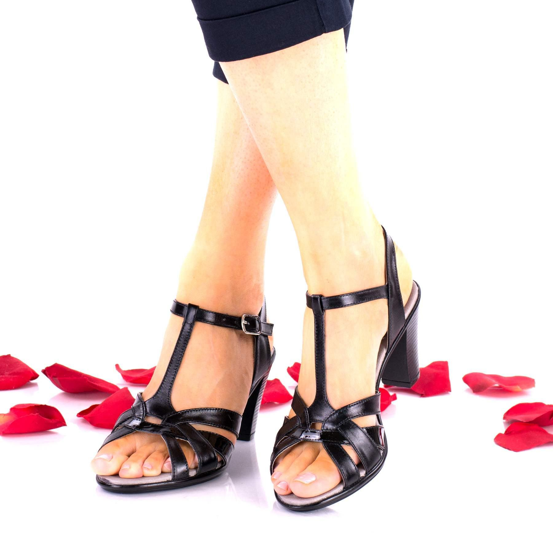Sandale dama negre din piele naturala si piele naturala lacuita toc 6cm - NA113D
