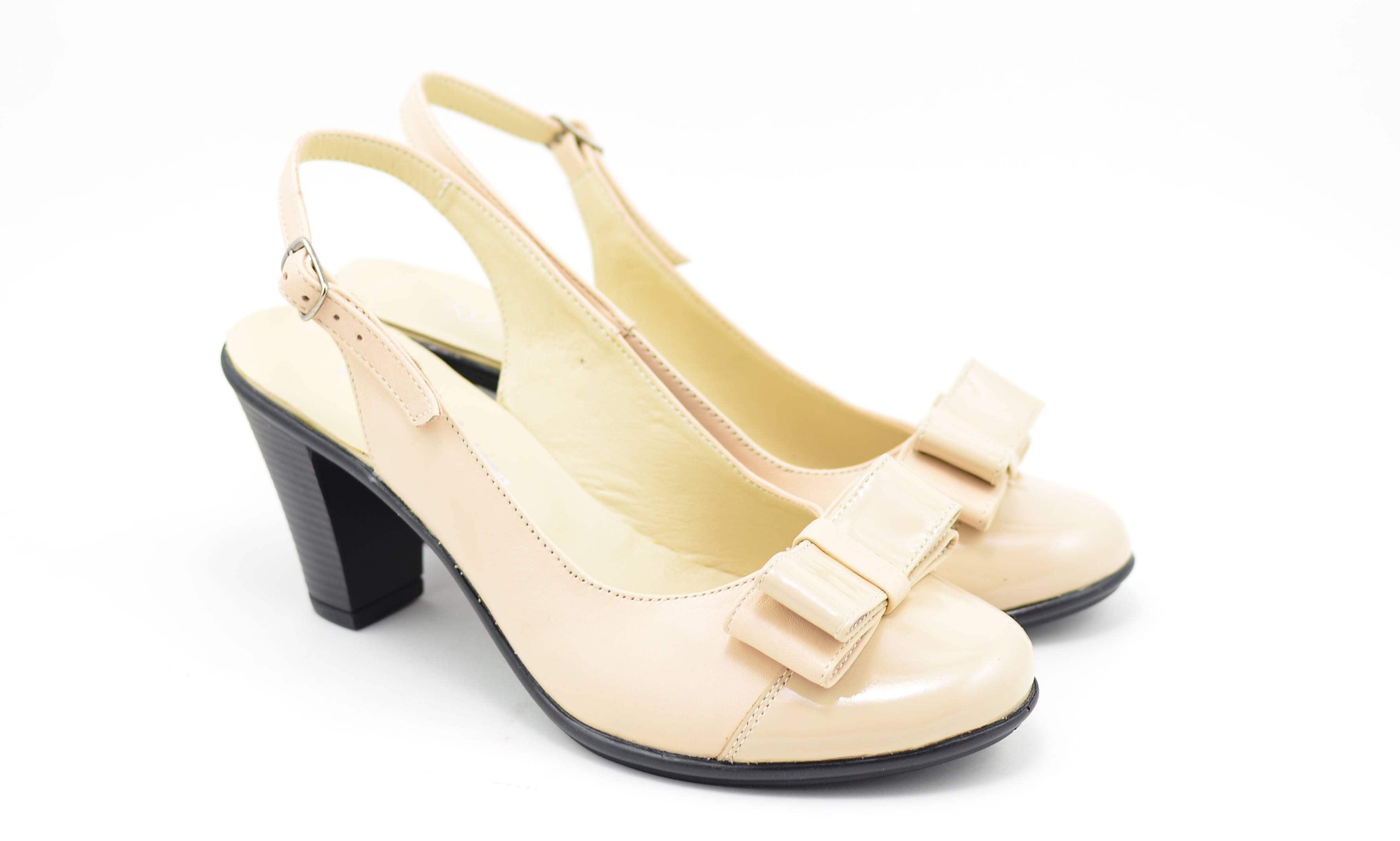 Oferta marimea 38 - Pantofi dama, din piele naturala, cu toc de 7cm si varf lacuit - LP100BEJ